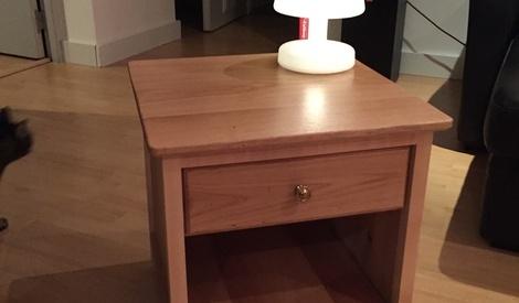 une petite table de nuit toute simple par gypsydoc sur l 39 air du bois. Black Bedroom Furniture Sets. Home Design Ideas