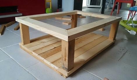 table basse vitr e par zedlefou sur l 39 air du bois. Black Bedroom Furniture Sets. Home Design Ideas