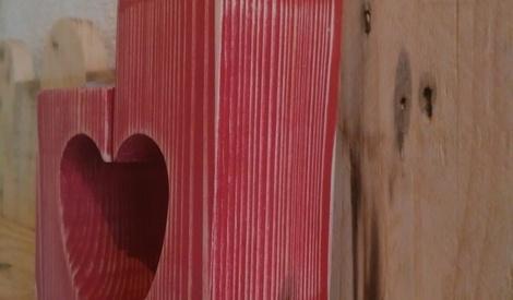 bougeoir coeur pour chauffe plat par woodandcrafts sur l 39 air du bois. Black Bedroom Furniture Sets. Home Design Ideas