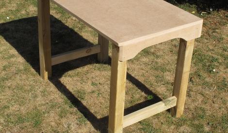 bureau en bois pour enfants par fmainguet sur l 39 air du bois. Black Bedroom Furniture Sets. Home Design Ideas