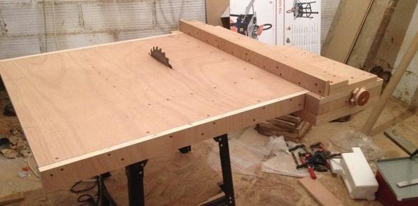Amélioration d'une scie sous table bas de gamme