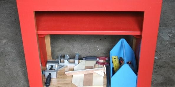 Etabli pour enfant avec banc intégré et boite à outils