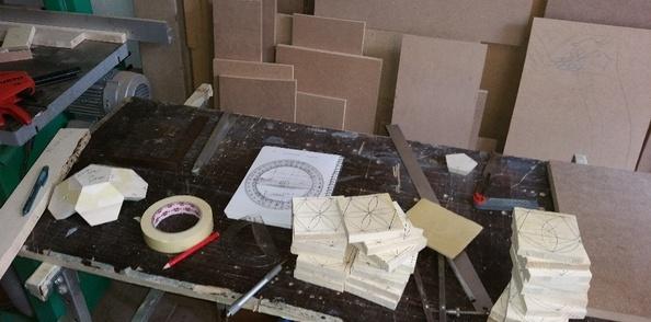 Réalisation et fabrication d'un gabarit pour ballon en bois que je vais  transformer en lampes