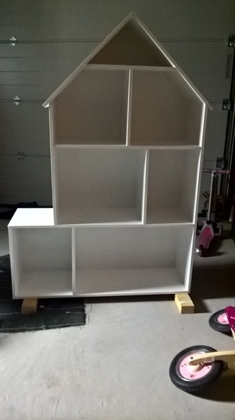 maison de poup e barbie par geof sur l 39 air du bois. Black Bedroom Furniture Sets. Home Design Ideas