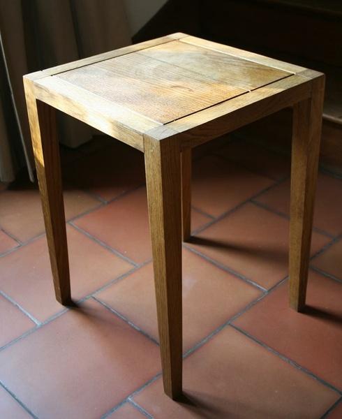 "Petite ""table"" en chene"