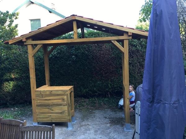 abris barbecue par atelierarboisien sur l 39 air du bois. Black Bedroom Furniture Sets. Home Design Ideas