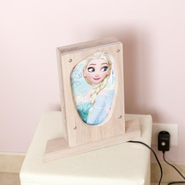 Lampe de petite fille -La reine des Neiges est-elle une lumière ?