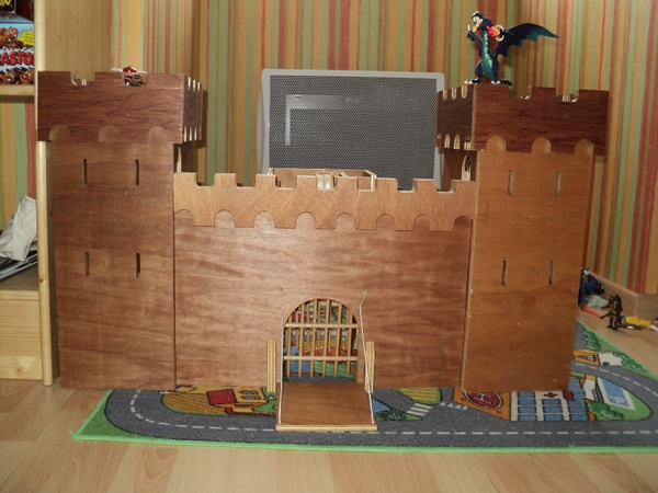 Chateau fort pour figurines playmobil par regis sur l 39 air for Plan chateau fort playmobil