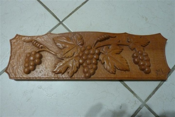 Sculpture raisin  bas relief