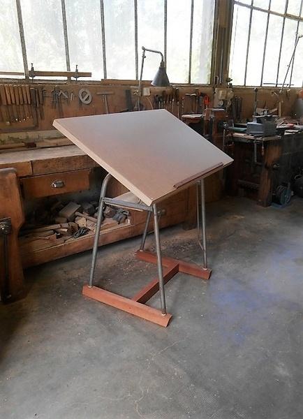 Ancienne table à dessin relookée