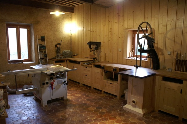 Mon atelier en bois, terre et pierre