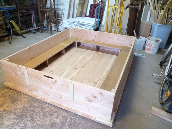 caisse de mise bas par bernard21 sur l 39 air du bois. Black Bedroom Furniture Sets. Home Design Ideas