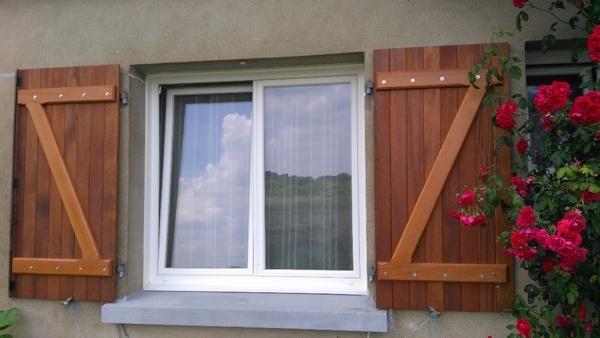 volet en bois par matthieudesbois sur l 39 air du bois. Black Bedroom Furniture Sets. Home Design Ideas
