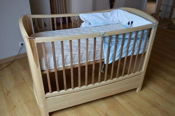3ème réalisation, un lit bébé