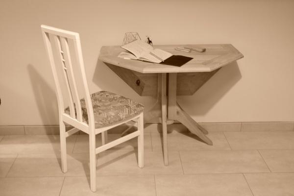Table ronde transformée en table octogonale