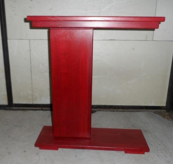 Console chêne  teintée en rouge