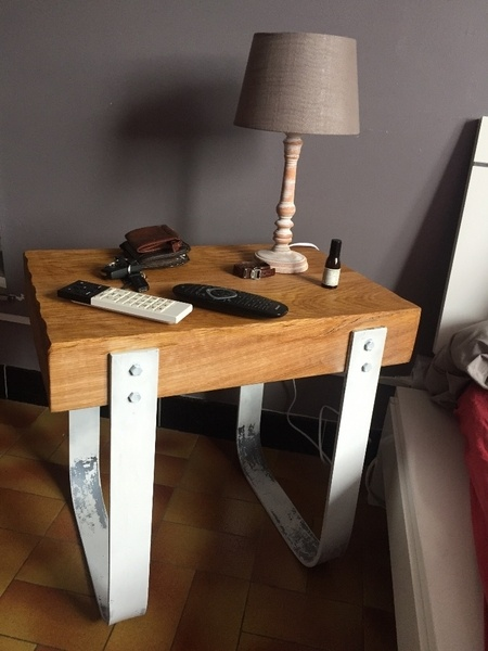 Table de chevet rustique