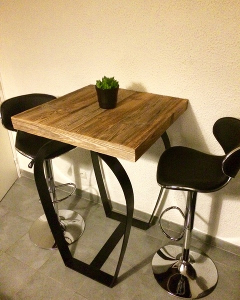 Table mange debout