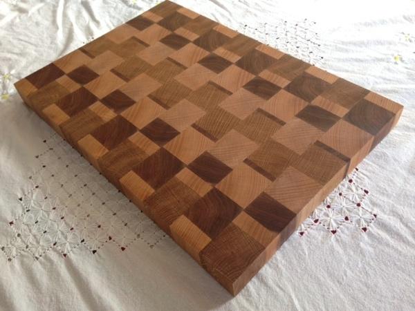 Grande planche à découper en bois de bout