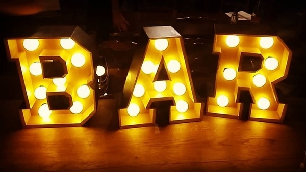 Lettres 3D luminueuses