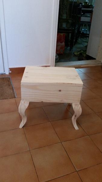 table de lecture pour enfant par ptityo123 sur l 39 air du bois. Black Bedroom Furniture Sets. Home Design Ideas
