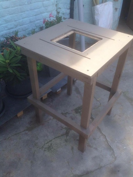table d fonceuse par niko62 sur l 39 air du bois. Black Bedroom Furniture Sets. Home Design Ideas