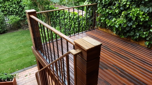 terrasse en bois rajout de 5m2 fabrication d 39 un garde corps en m tal par hebus sur l 39 air du bois. Black Bedroom Furniture Sets. Home Design Ideas