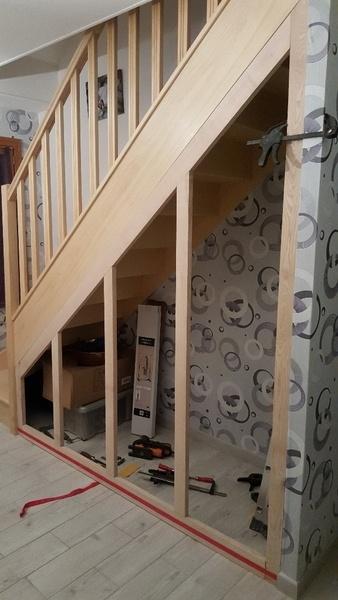 am nagement sous escalier par bruno60570 sur l 39 air du bois. Black Bedroom Furniture Sets. Home Design Ideas