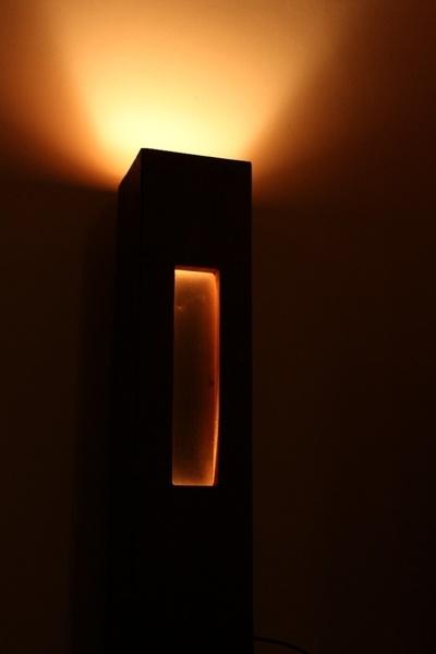 Lampe en chêne de récupération et acier