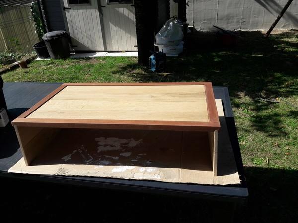 tablette t l par le p 39 tit gone sur l 39 air du bois. Black Bedroom Furniture Sets. Home Design Ideas