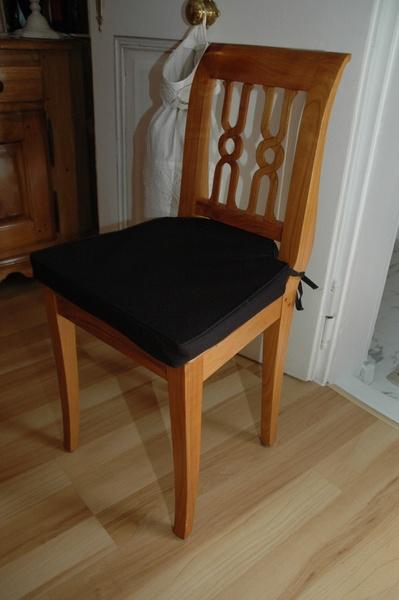 Une série de 8 chaises......en merisier