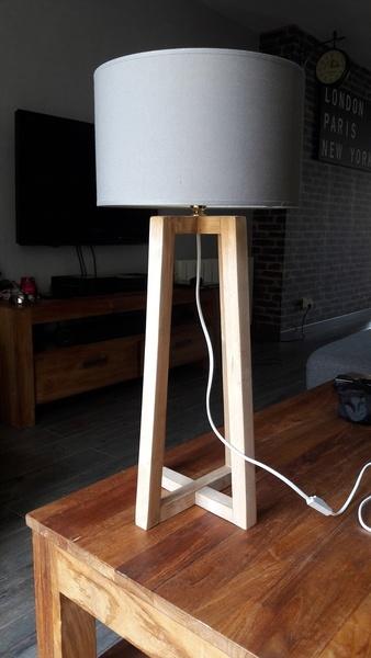 lampe bureau en palette par kubik sur l 39 air du bois. Black Bedroom Furniture Sets. Home Design Ideas