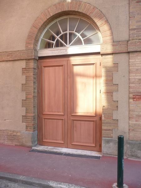 Porte moulure grand cadre par j r my lipreau sur l 39 air du bois for Moulure porte exterieur